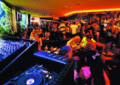 DJ parties 015 400x284 - DJ BOOKING
