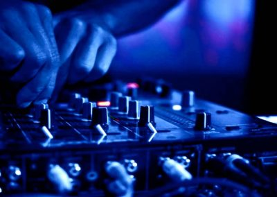 DJ parties 018 400x284 - DJ BOOKING